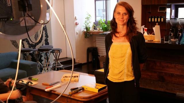 Judith Rohrbach, Co-Leiterin des Kleintheaters Luzern steht im Foyer des Hauses.