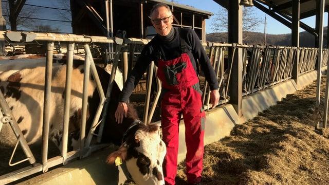 Bauer mit Kuh