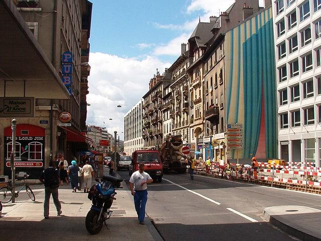 Blick auf eine Strasse im «Les Pâquis».