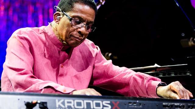 Herbie Hancock am Piano