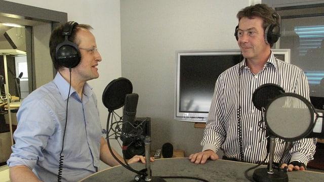 Frank Rutschmann (BFE) und Andrew Walo (CKW) im Gespräch