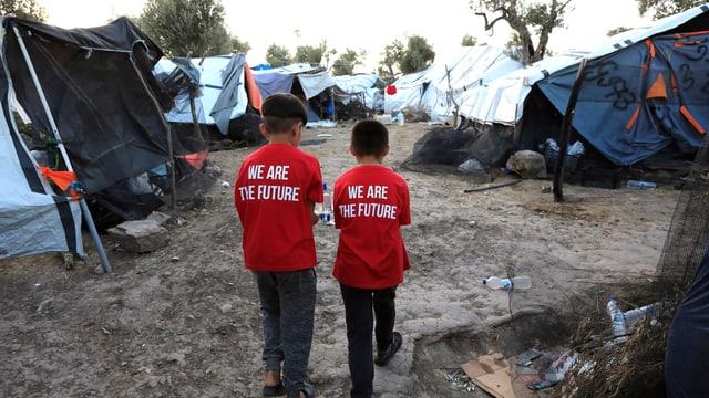 Die Zustände im Zeltlager ausserhalb des Flüchtlingslagers Moria sind prekär.