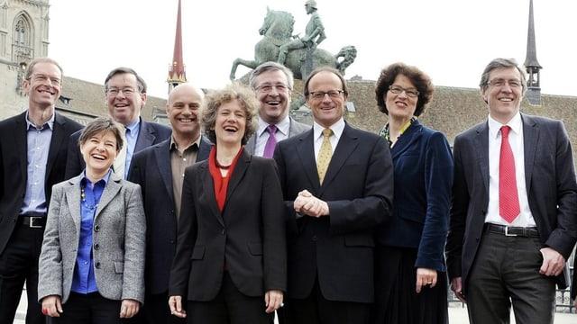 Die 9 Zürcher Stadträtinnen und Stadträte. 3 davon sind Frauen.