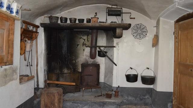 Cuschina da la chasa «Casa Malussi» a Bondo.