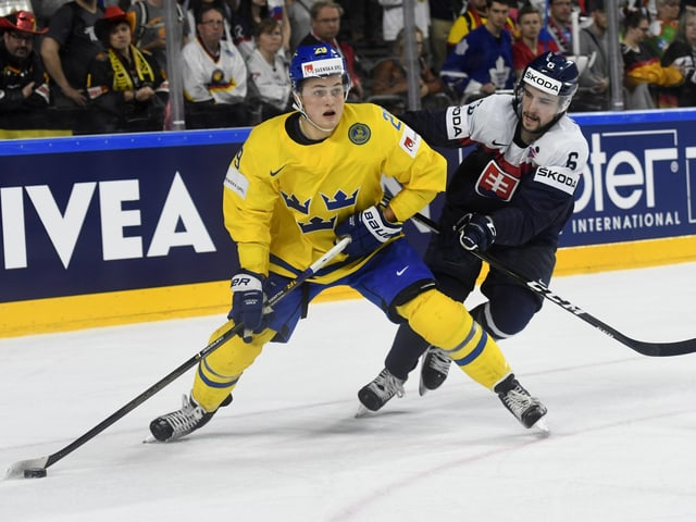 Hat in seiner 1. NHL-Saison in Toronto voll eingeschlagen. An der WM führt er die schwedische Skorerliste an.