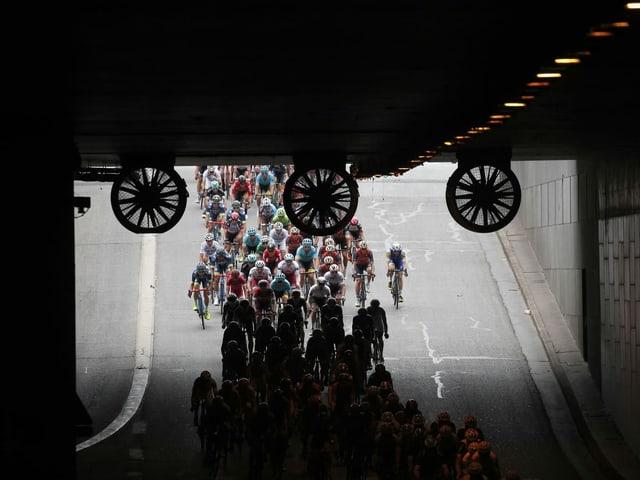 Die Radprofis haben wieder ein Ziel vor Augen.