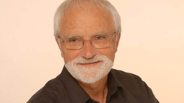Hanspeter Schär trägt einen Bart.