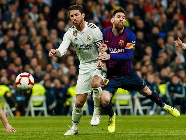 Real Madrid mit Sergio Ramos gegen Barcelona mit Lionel Messi.