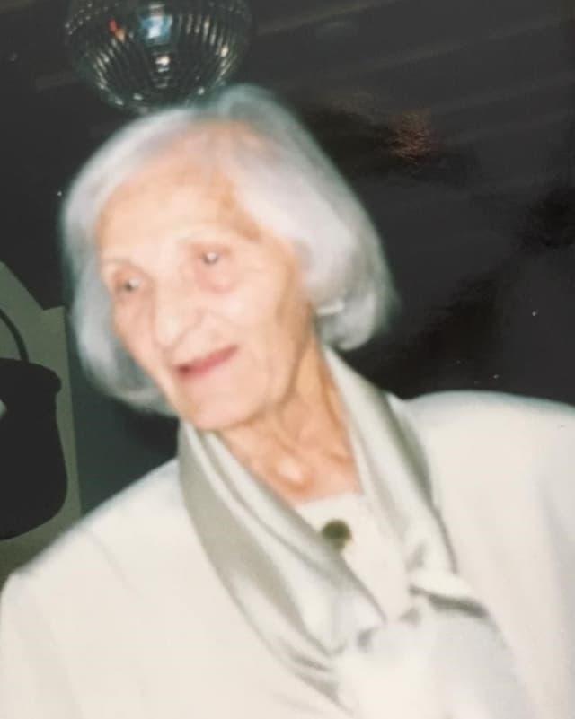 Irma Klainguti dunna cun chavels alvs