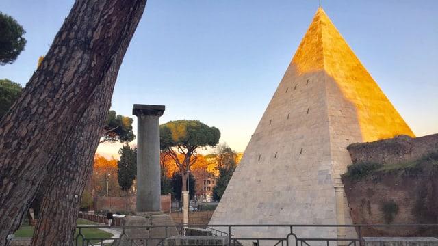 Das pyramidenförmige Grab des Gaius Cestius