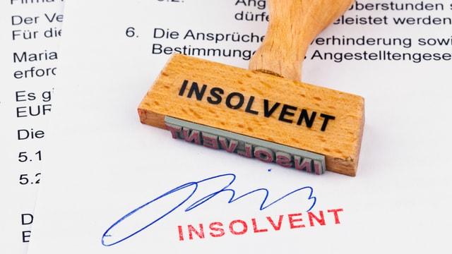 Stempel mit der Aufschrift «insolvent».