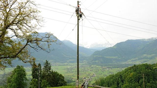 Ein Strommasten im Kanton Obwalden