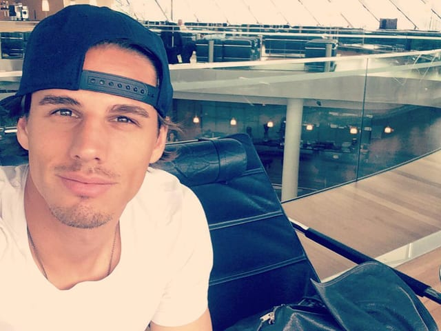 Yann Sommer vor den Ferien am Flughafen