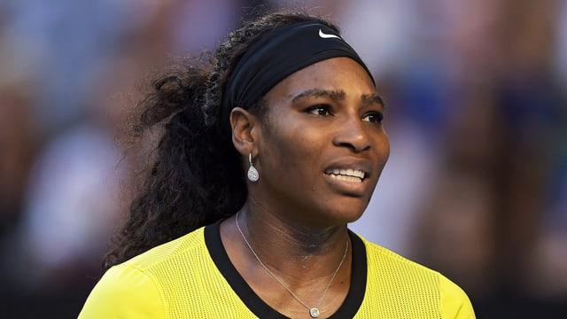 Serena Williams mit einer säuerlichen Miene.