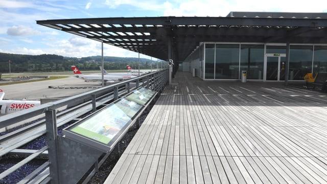 Zuschauerterrasse Dock E