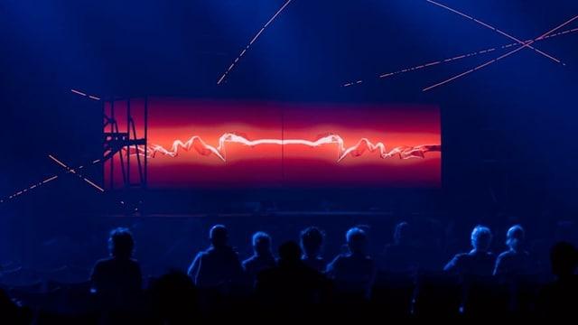 Bühnenbild mit nicht erkennbaren Lichtinstallationen.