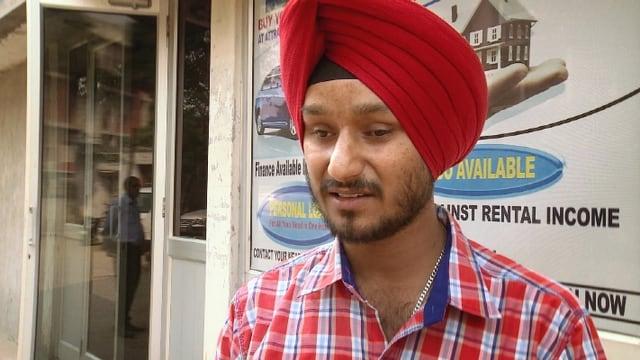 Video «Gurveer Singh arbeitet als Bankangestellter» abspielen