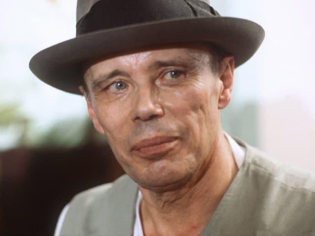 Der Mann mit dem Hut: Joseph Beuys im Jahr 1979.