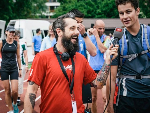 SRF 3-Moderator Andi Rohrer traf in seiner Heimatstadt schnelle Läufer und lachende Gesichter.