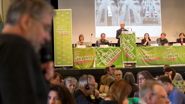 Ils Verds che han tegnì lur radunanza da delegads a La Chaux-de-Fonds.
