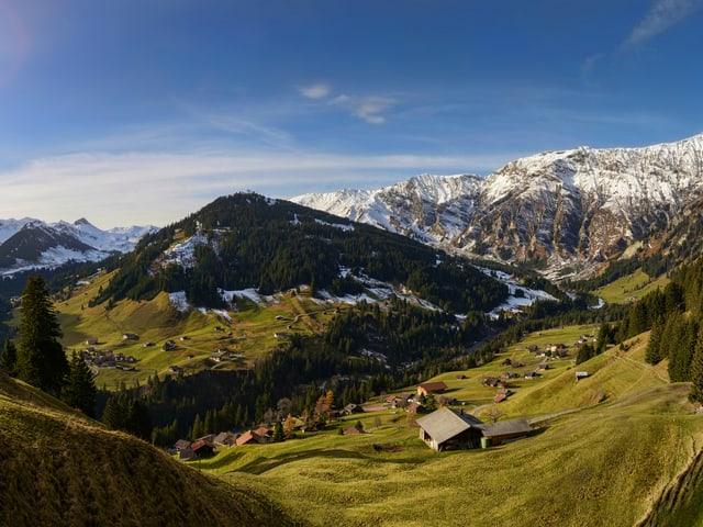 Ende November, strahlender Sonnenschein und traumhaftes Wanderwetter in Adelboden.