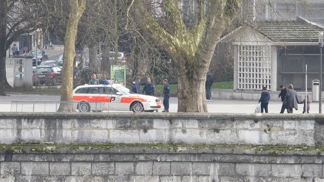 Polizei kontrolliert Drogenhändler am Aareufer