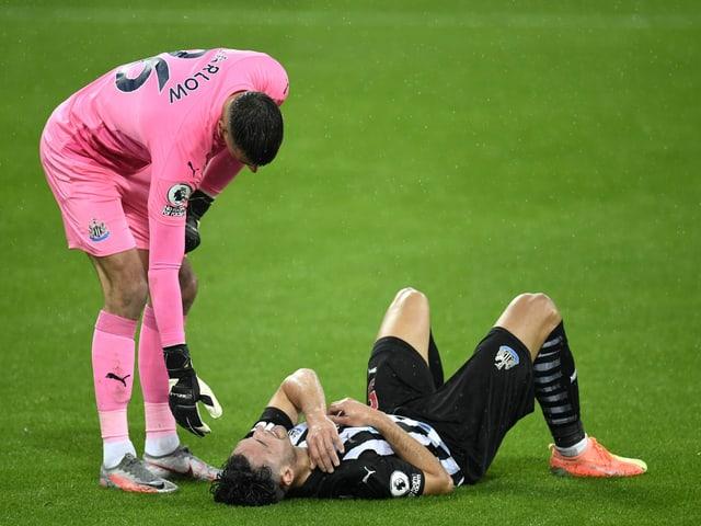 Fabian Schär verletzt sich erneut an der Schulter.