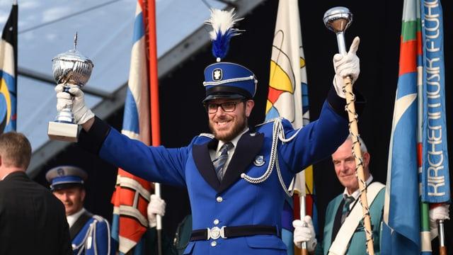 Ein Mitglied der Brass Band Rickenbach freut sich über den Sieg am Kantonalen Luzerner Musiktag.