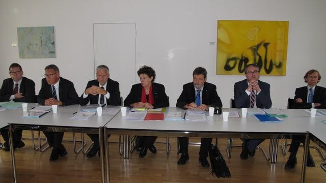 Zur Präsentation des Massnahmenplans trat die Solothurner Regierung komplett vor die Medien.