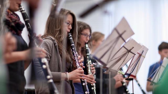 Mattas che sunnan clarinetta.