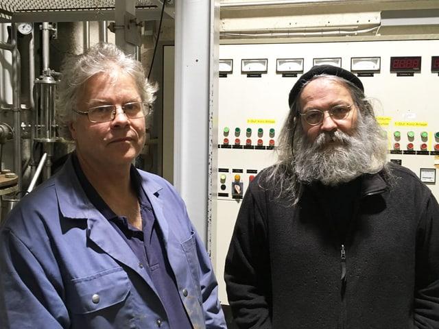Zwei Männer in einer Produktion