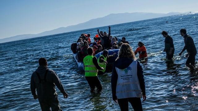 Persunas en ina bartga pitschna costa grecca.