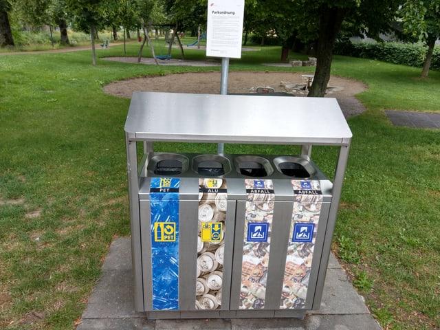 Abfallstation in einem Park