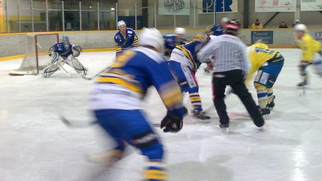 Il club da hockey Engiadina perda la relegaziun e gioga en terza liga.