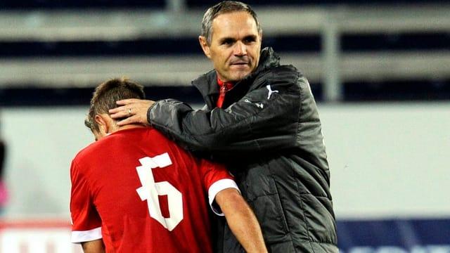 Pierluigi Tami muss sein Team nach der Niederlage gegen Portugal wieder aufrichten.