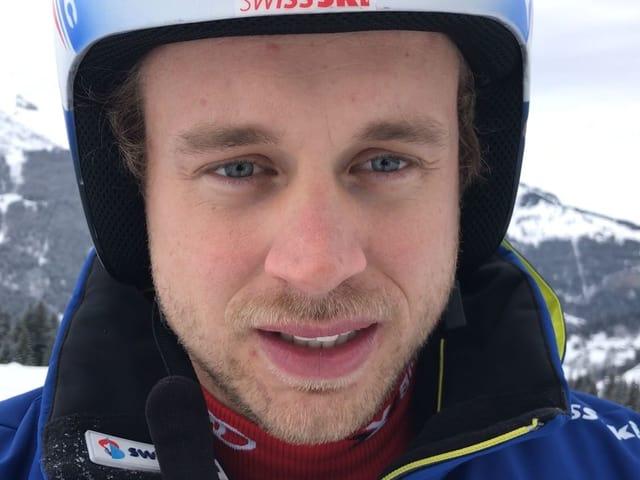 Mauro Caviezel mit Skihelm.
