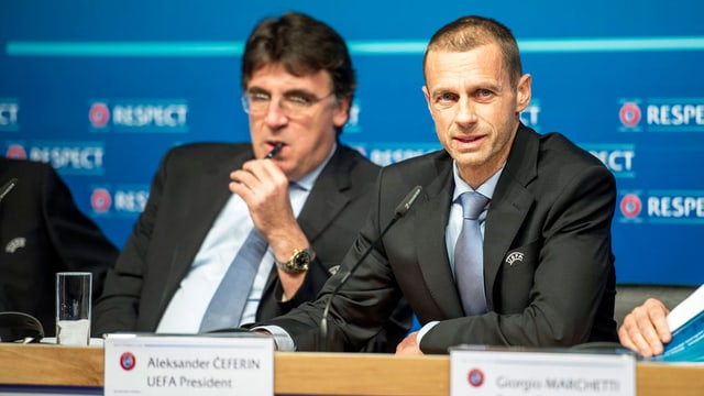 Generalsekretär Theodore Theodoridis und Präsident Aleksander Ceferin.