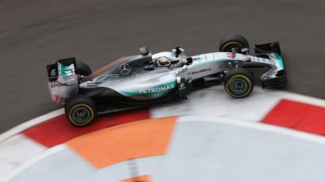 Hamilton in einer Kurve.