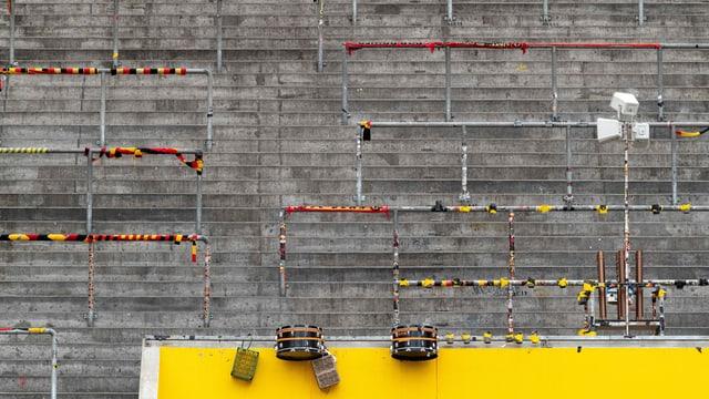 Die Stehplätze der Postfinance Arena in Bern bleiben in der nächsten Saison wohl leer.