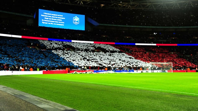 Das Londoner Wembley in blau-weiss-rot
