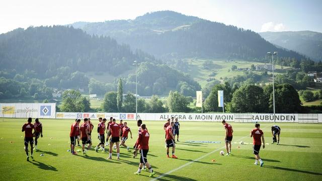 Purtret da la squadra dal HSV a Schluein.