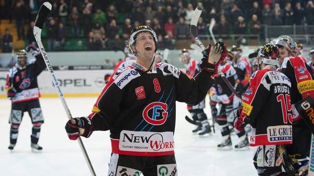 Kwiatkowski reitet mit Fribourg auf einer Erfolgswelle.