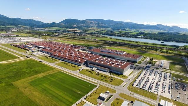 Kia-Fabrik in Žilina von oben.