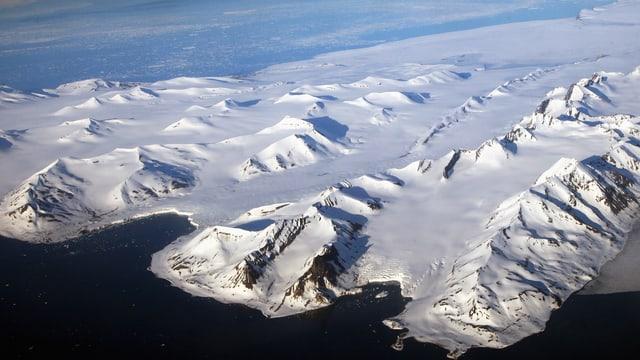Luftbild einiger Gletscher auf Spitzbergen