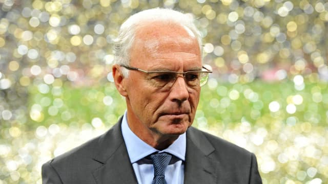Beckenbauer, niedergedrückt.