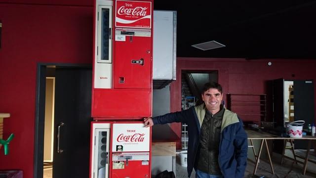 Flavio Battaini dasper ils automats da bavrondas che duain daventar la porta d'entrada da las tualettas d'umens.