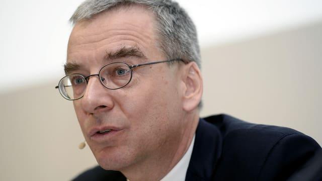 Bruno Pfister an der Bilanzmedienkonferenz.