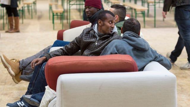 Requirents d'asil pon vegnir repatriads sur stadis da l'UE