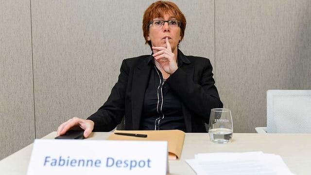 Despot an Medienkonferenz