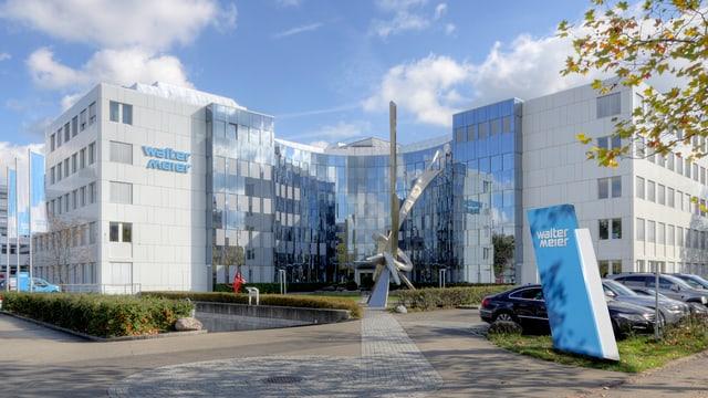 Aufnahme des Hauptsitzes des Klimatechnologie- und Fertigungstechnologiekonzerns Walter Meier AG in Schwerzenbach